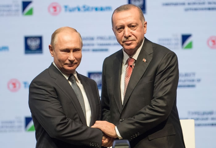 Russia-Turkey gas pipeline strengthens knots between the two countries