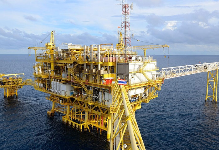 Eni discovers new oil wells offshore Angola