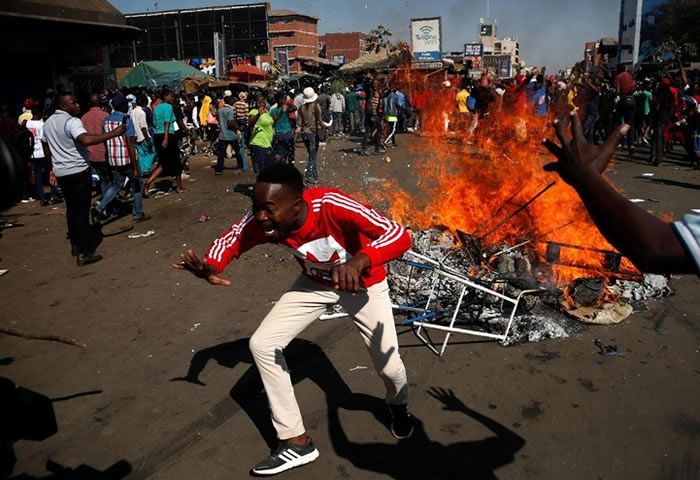 Fuel price skyrockets, Zimbabwean protest