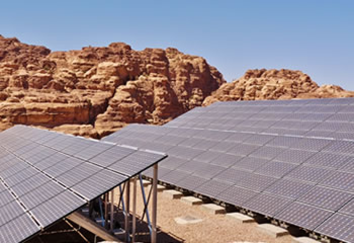 Lack of oil pushes Jordan to shift more towards solar