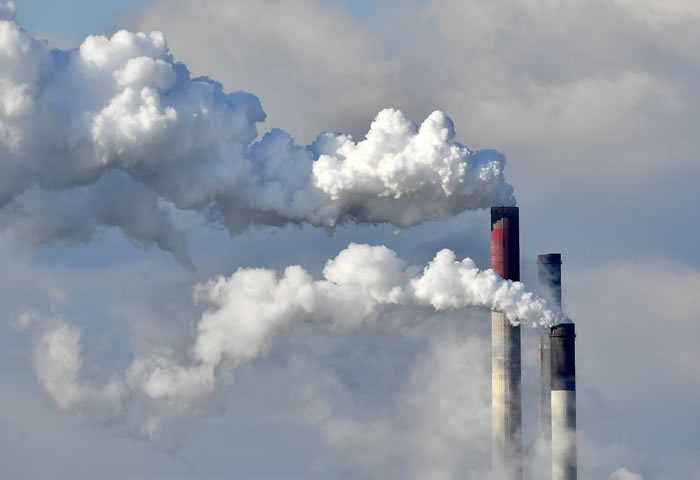 US not even close to its goal on cutting carbon emissions