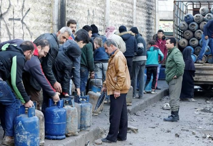 Gas tanks become the dream of Aleppo's residents