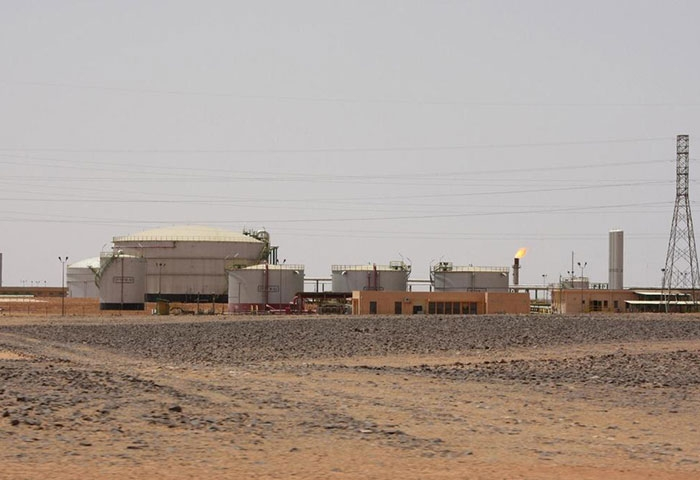 Sharara oil field detained by armed group